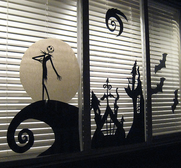 35 Ideas To Decorate Windows With Silhouettes On Halloween .