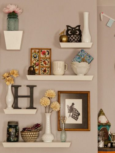 10 Different Ways to Style Floating Shelves | Decor, Floating .