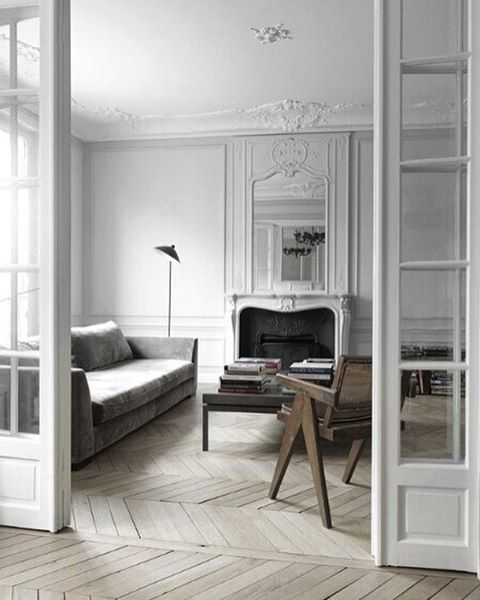 In this Paris apartment by architect @NicolasSchuybroek, the .