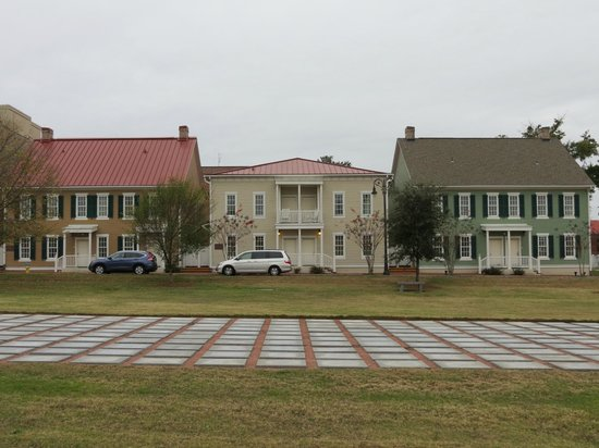 Cottages - Picture of Residence Inn Savannah Downtown/Historic .