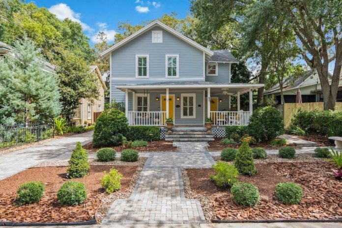 House of the Day: Historic 4/3 in Lake Eola Heights with three-car .