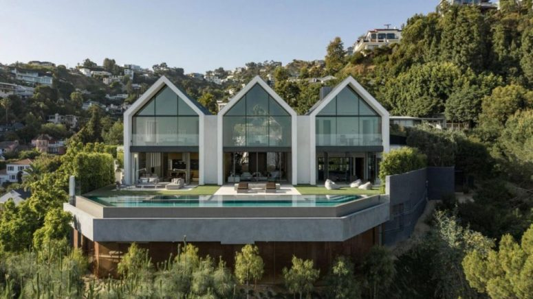 Contemporary House Of Three Gable Roof Volumes - DigsDi
