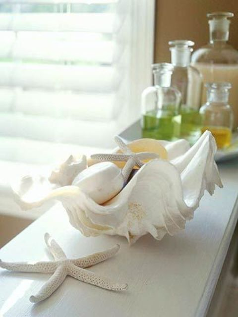 How To Decorate With Sea Stars: 34 Examples | Sea shell decor, Sea .