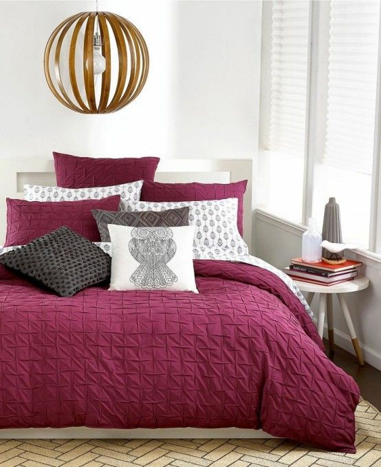 How To Decorate Your Bedroom With Marsala: 20 Ideas   DigsDigs .