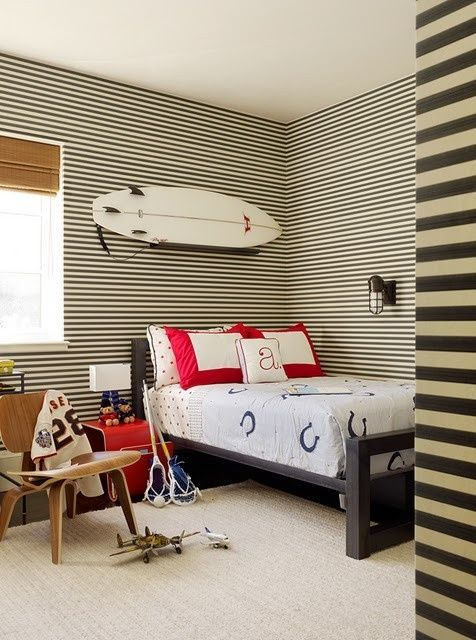 How To Incorporate Surfs Into Home Décor: 21 Fun Ideas - DigsDi