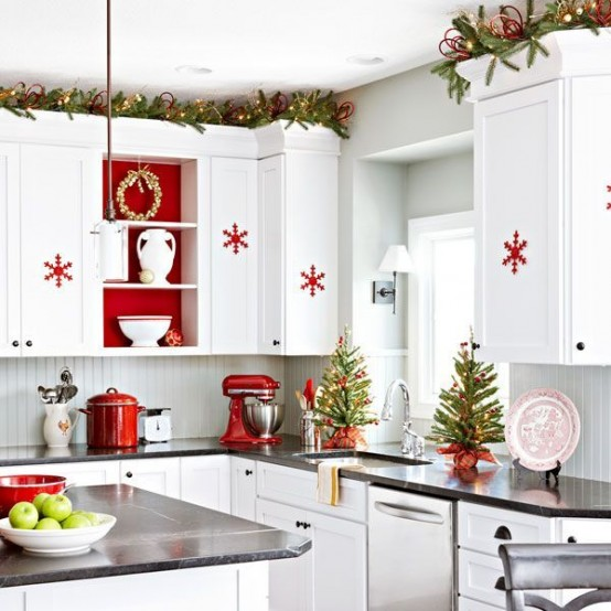 How To Spruce Up Your Kitchen For Winter: 27 Ideas - DigsDi