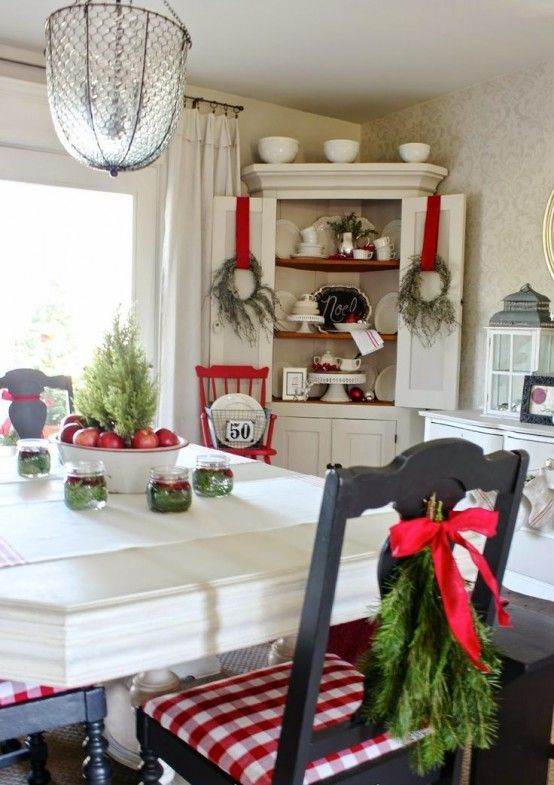 How To Spruce Up Your Kitchen For Winter Ideas   Christmas decor .