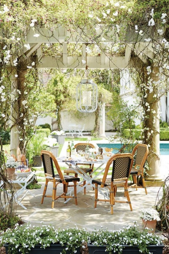 34 Inviting Outdoor Dining Spaces In Various Styles - DigsDi