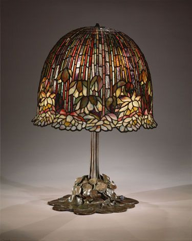 Louis Comfort Tiffany: Water lily table lamp | Tiffany lamps, Lamp .