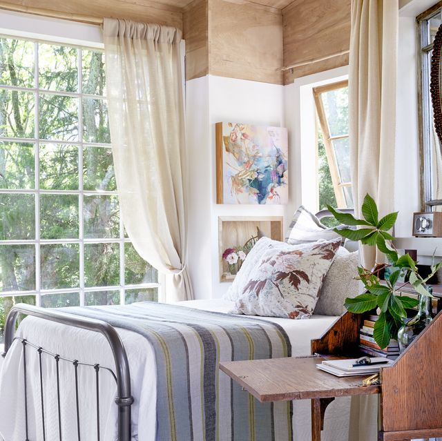 42 Cozy Bedroom Ideas - How To Make Your Room Feel Co