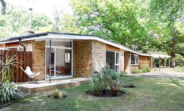 Modern Bungalow house by Athelstan Whaley   Modern bungalow house .