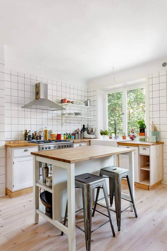 Small Kitchen Island: 22+ Simple Ideas for a Minimalist Ho