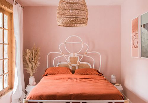 25 Adult-Friendly Pink Bedroo