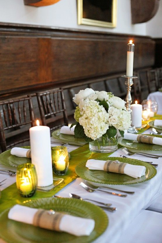 Northern Light: Dinner with friends   Pretty table settings .