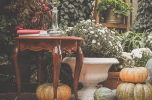 15 Stylish Fall Decorating Ideas - How to Decorate Your Home For .