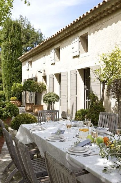 www.digsdigs.com 34-refined-provence-inspired-terrace-decor-ideas .
