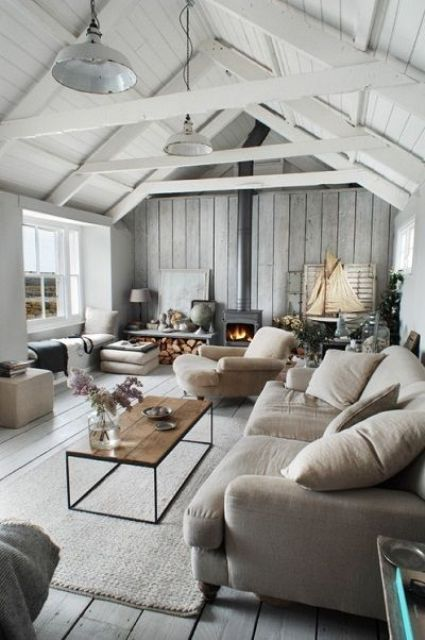 34 Relaxed White Wash Wood Walls Designs | DigsDigs | Farm house .
