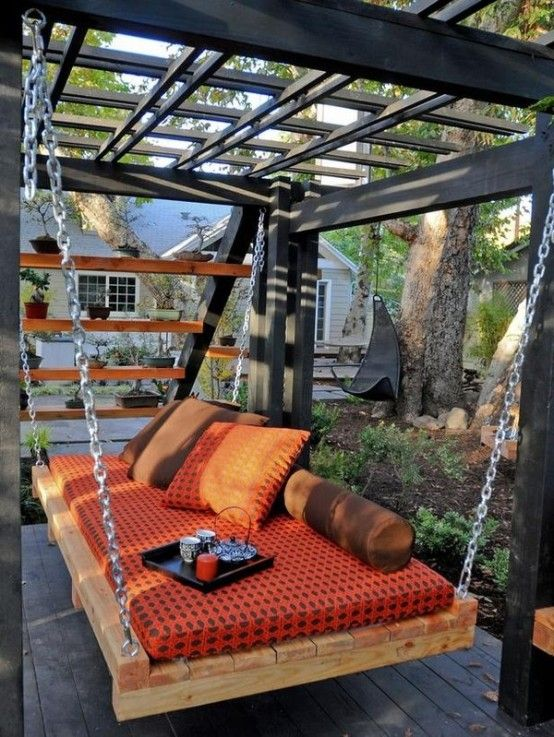 39 Relaxing Outdoor Hanging Beds For Your Home   Pallet furniture .