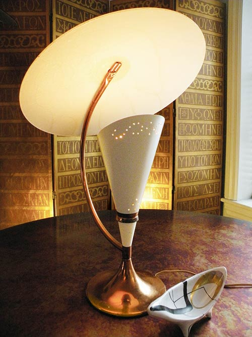 20 dazzling vintage table lamps - Moss, Majestic and more!