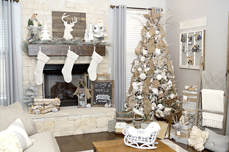 65+ Out of the Box Christmas Tree Themes You Must Check O