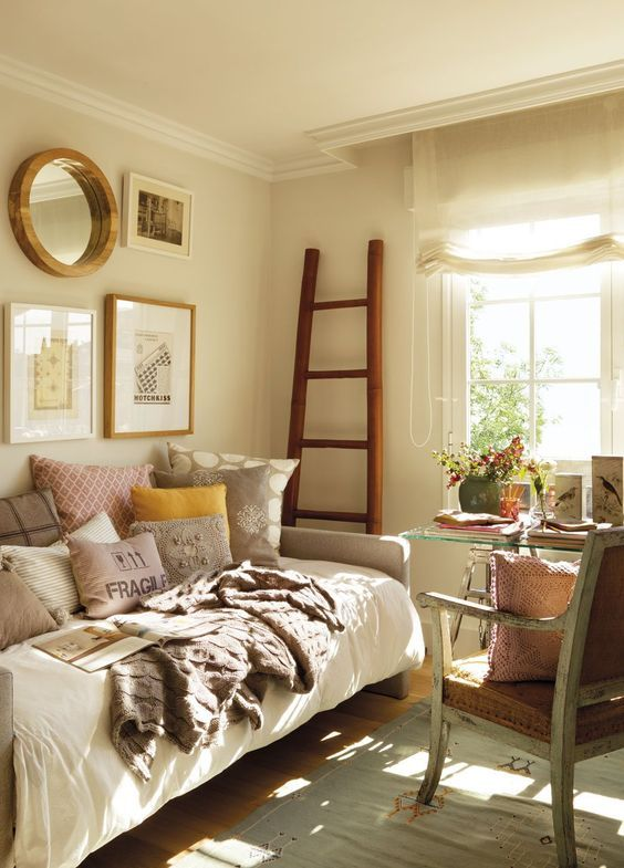 This would be ideal for a shared guest bedroom/ office .