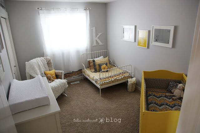 Some cute ideas for a shared newborn/toddler room! | Cool kids .