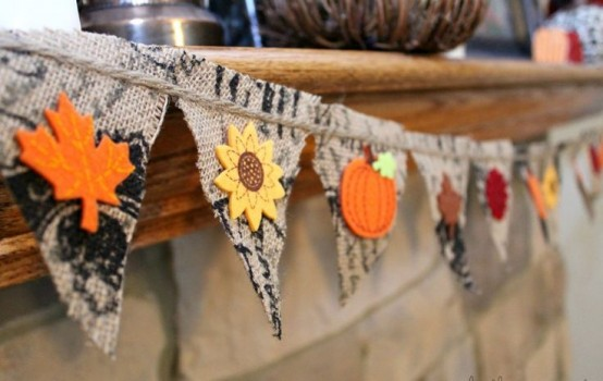 26 Simple And Cool Fall Banners Ideas For Home Décor - DigsDi