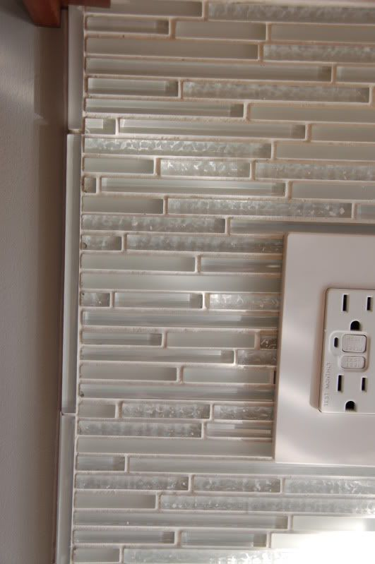 Pin by Shannon Archer on For the Home   Glass tile backsplash .