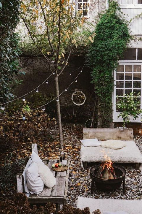 29 Small Backyard Ideas - Simple Landscaping Tips for Small Yar