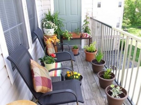 awesome-spring-balcony-decor-ideas-7-554x415 - Home Architecture .