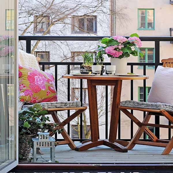 15 Green Decorating Ideas for Small Balcony, Spring Decorating .