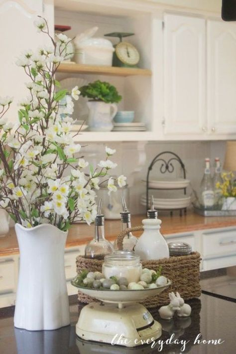 20 Beautiful Ways to Decorate Your Home for Spring | Spring home .
