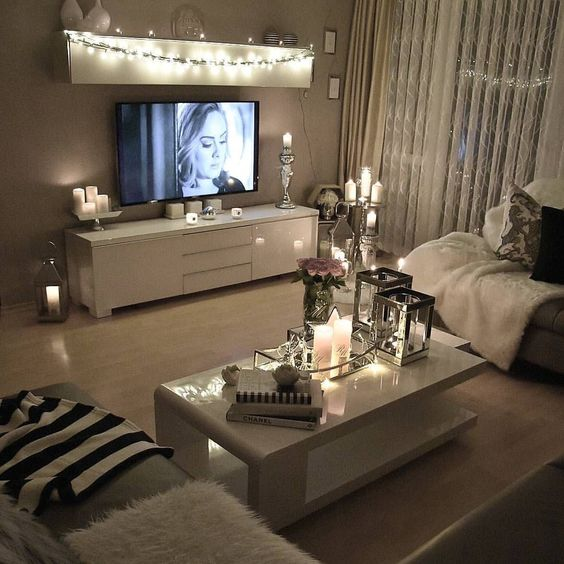 25 Cozy String Lights Ideas For Living Rooms - DigsDi
