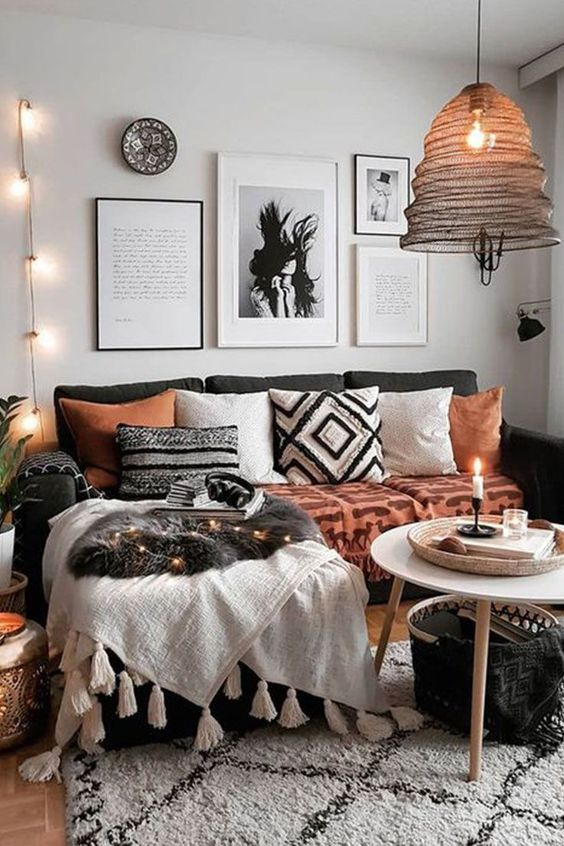 10 Dreamy ideas to surround deco items with string lights for a .