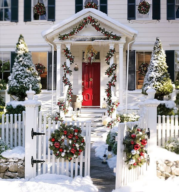 56 Amazing front porch Christmas decorating ide