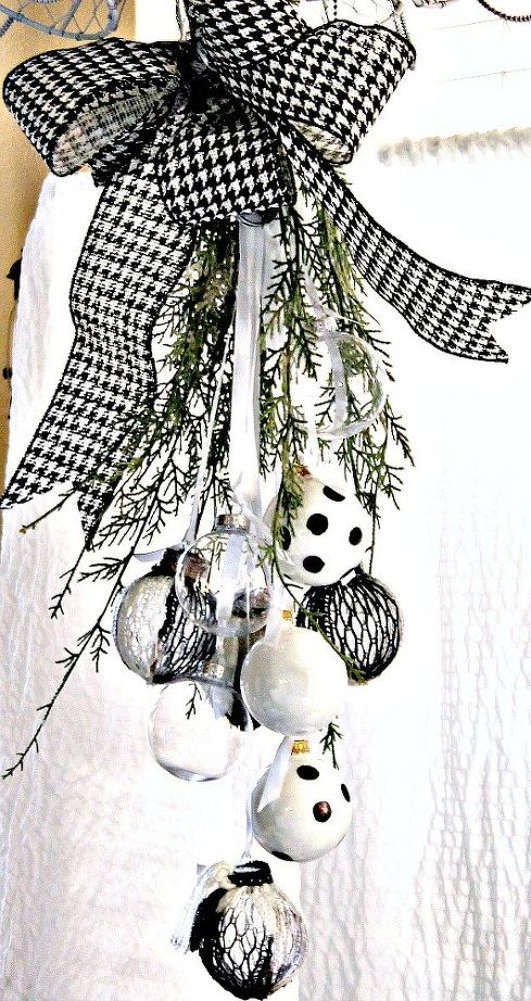 Top 40 Charming Black And White Christmas Decoration Ideas .