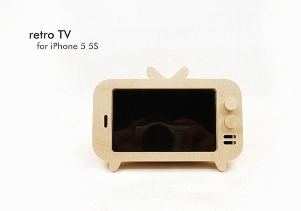 retro TV Stand for iPhone + Amplifier