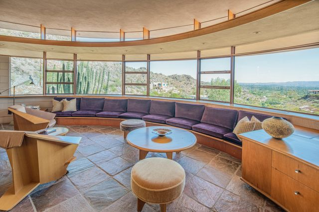 Frank Lloyd Wright's Last Home Goes up For Auction - Mansion Glob