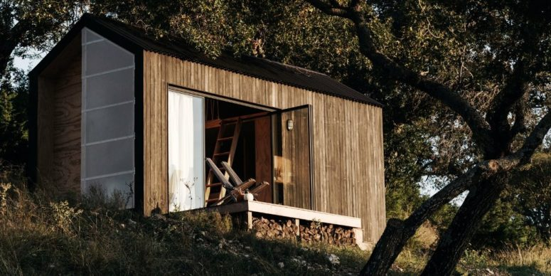 Tiny Cabin Retreat To Reconnect With Nature - DigsDi