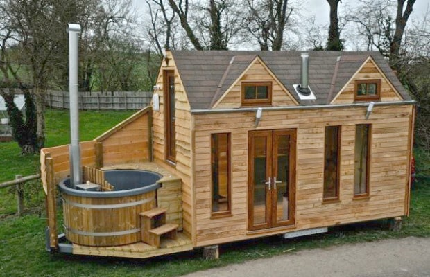 Luxury Tiny House on Wheels With a Hot T