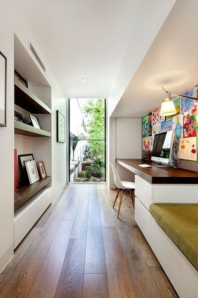 33 Tiny Yet Functional Home Office Designs | Office space decor .