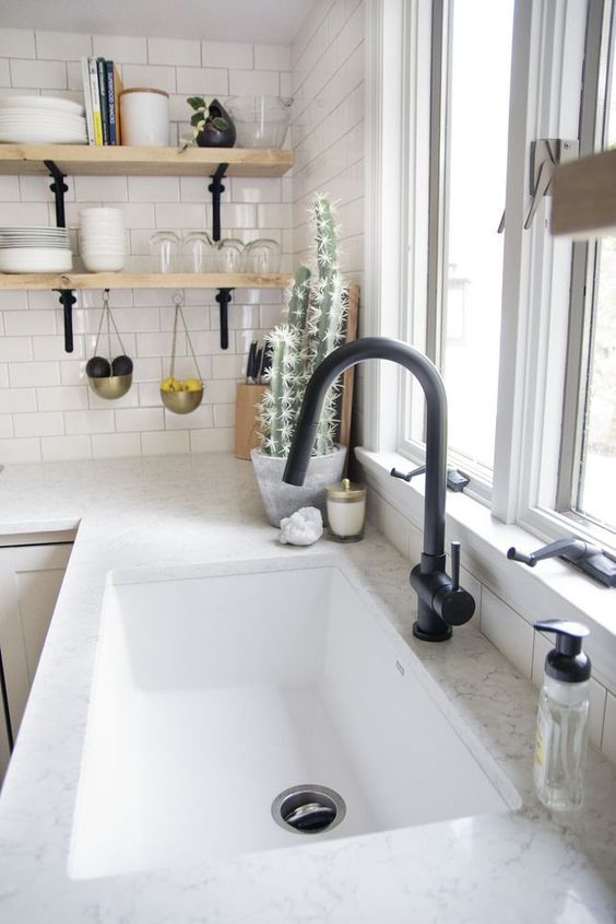 25 Undermount Sink Ideas With Pros And Cons | Black kitchen .