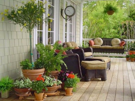 Tips To Decorate A Summer Porch | Front porch decorating, Summer .