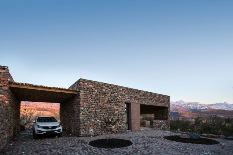 Mountain House Influenced By Traditional Uzbekistan Architecture .