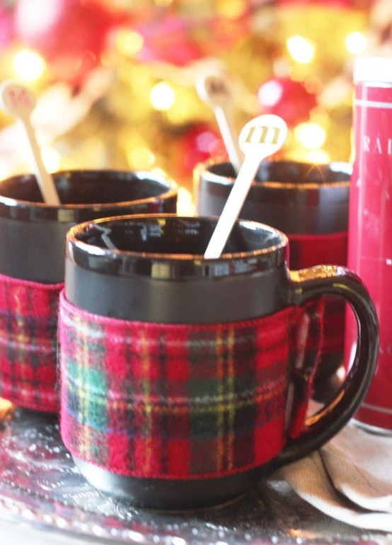 32 Warm And Cozy Plaid Décor Ideas For Thanksgiving - DigsDi