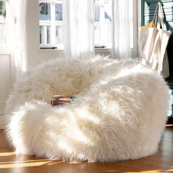 62 Adorable Fur Furniture Pieces For Fall And Winter - DigsDi